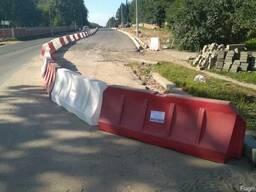 Аренда пластиковых дорожных блоков и ограждений