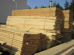 Брус деревянный хвойных пород свежепиленный