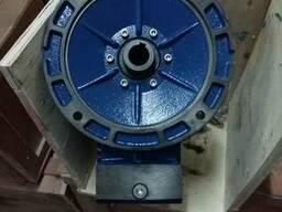 Червячный редуктор NMRV110