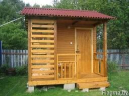 Дачный душ-туалет с террасой и дровницей