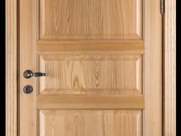 Двери входные из массива ясеня
