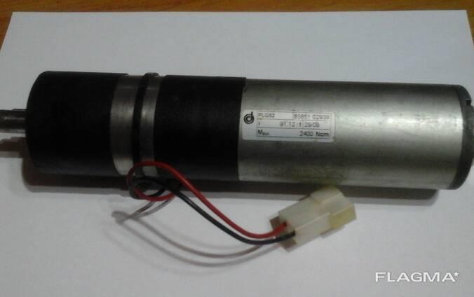 Двигатель постоянного тока с редуктором
