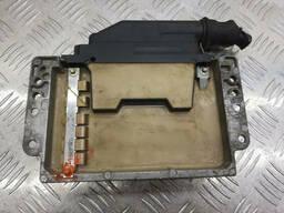 Электронный блок управления двигателем (ЭБУ) Renault Laguna