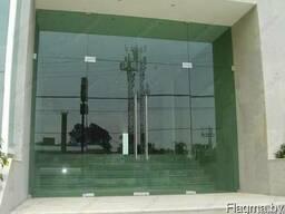 Фасадные двери из стекла - фото 1