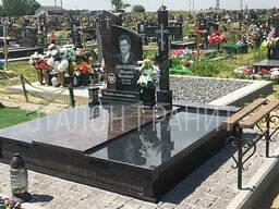 Двойной памятник и надгробие на могилу