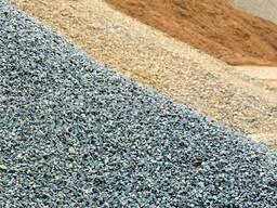 Гравий, песок, щебень, грунт, навоз