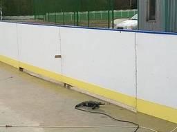 Хоккейный корт с ограждением