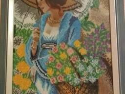 """Картина """"Девушка в шляпе"""",вышитая бисером (ручная работа)"""