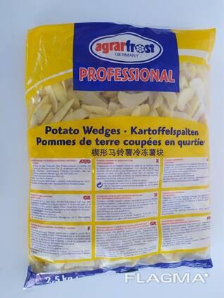 Картофельные дольки в кожуре без специй.