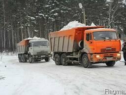 Комплексная уборка снега механизированным способом.