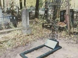 Комплексное благоустройство мест захоронений.