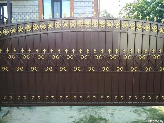 Кованные откатные ворота и калитка