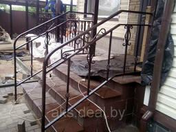 Кованые металлические перила для лестниц. Перила на. ..
