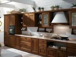 Кухни с фасадами из массива