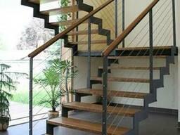 Купить лестницу на второй этаж в дом на металлокаркасе