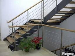 Купить Металлическую лестницу на второй этаж в частный дом