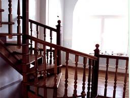 Изготовление лестниц из массива ясеня, дуба