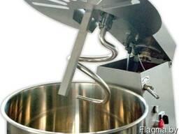 Машина тестомесильная для перемешивания ингредиентов теста
