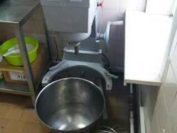 Машина взбивальная и печь подовая для кафе