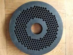 Матрица диаметр 300 мм.