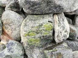 Натуральный природный камень для бани Змеевик галтованый