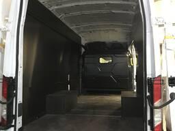Обшивка кузова фургона Ford Transit, привод 4x4.