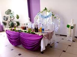 Оформление свадьбы в фиолетовом цвете.