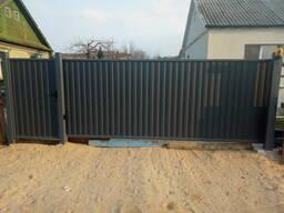 Откатные въездные ворота из поликарбоната и металлопрофиля