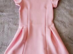 Платье розовое фирменное в идеале