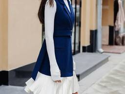 Платье-жилет отлично подойдет для осени 2020