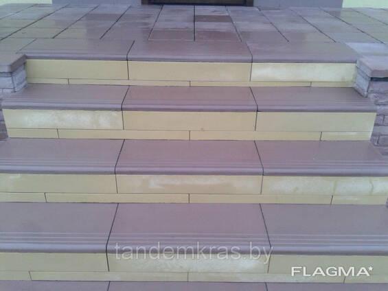 Подступенок бетонный