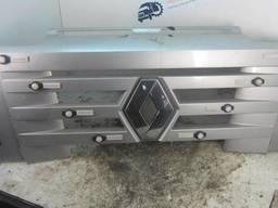 Решетка радиатора Рено Магнум ДХИ