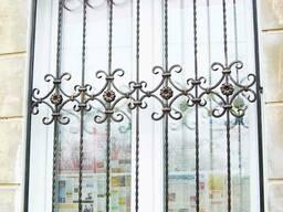 Решетки на окна и балконы металлические