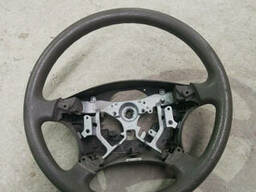 Руль на Toyota Avensis Verso