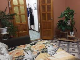 Сдам на сутки и более 4-х комнатную квартиру в центре города.