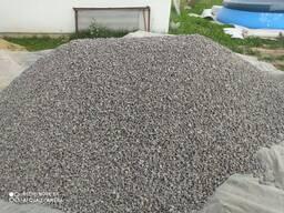 Щебень гранитный , песок