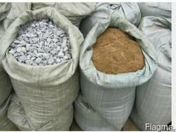 Щебень, песок, в мешках по 40 кг.