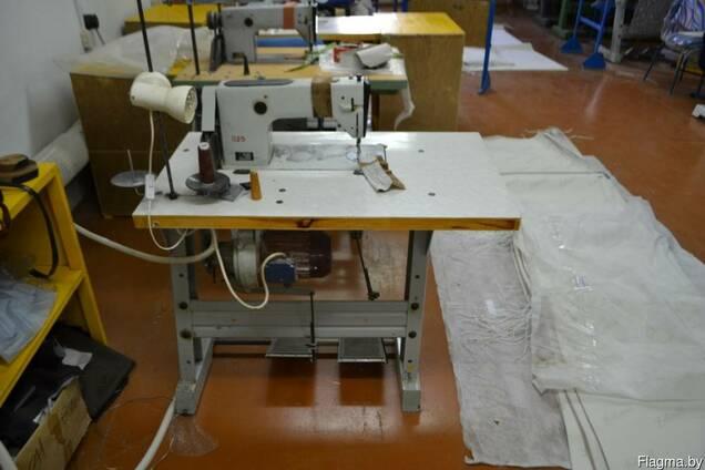 Швейная машина 1022 класса.