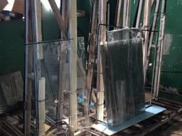 Стол фурнитурный и пирамида для стеклопакетов