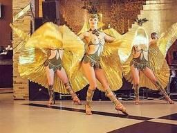 Танцевальное шоу балерин