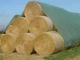 Укрытие тюков кип сена, соломы, зерновых, щепы и гумуса