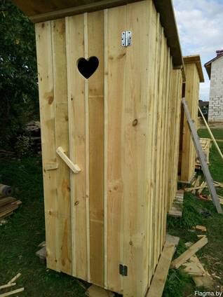 Туалет деревянный осень-зима
