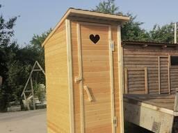 Туалеты деревянные разных вариантов