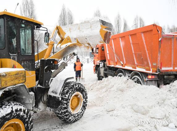 Погрузчик для расчистки территории от снега