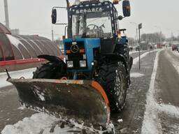 Аренда трактора со щеткой и отвалом