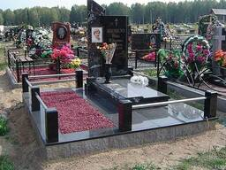 Установка памятников на кладбище. Укладка плитки.