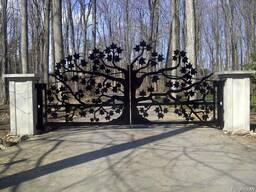 Въездные художественные ворота