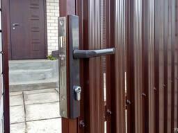 Ворота из профнастила и металлического штакетника