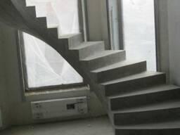 Забежная монолитная лестница ЖБИ