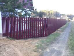 Забор из металлического штакетника - фото 4